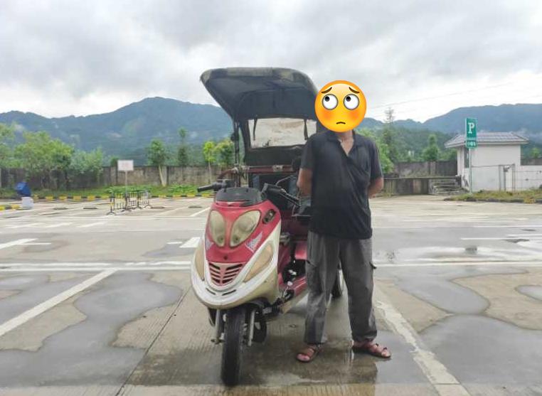 打工被骗后广西一男子竟骑三轮摩托车上高速归家